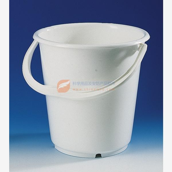 一个圆柱形无盖水桶
